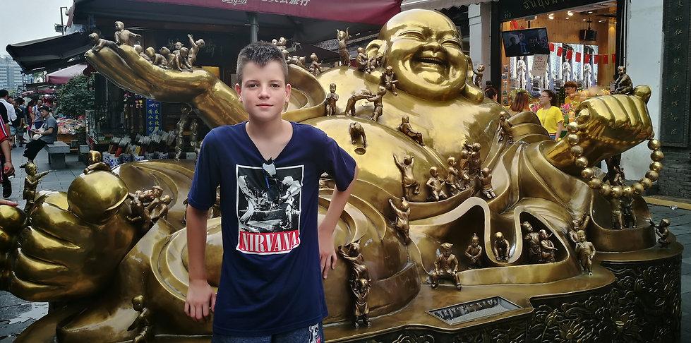 Copper-made Buddha at Hefang street