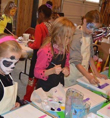 Canvas painting and face painting