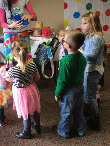 Party entertainer, balloon twister for your Blount, Knox, and Sevier County parties