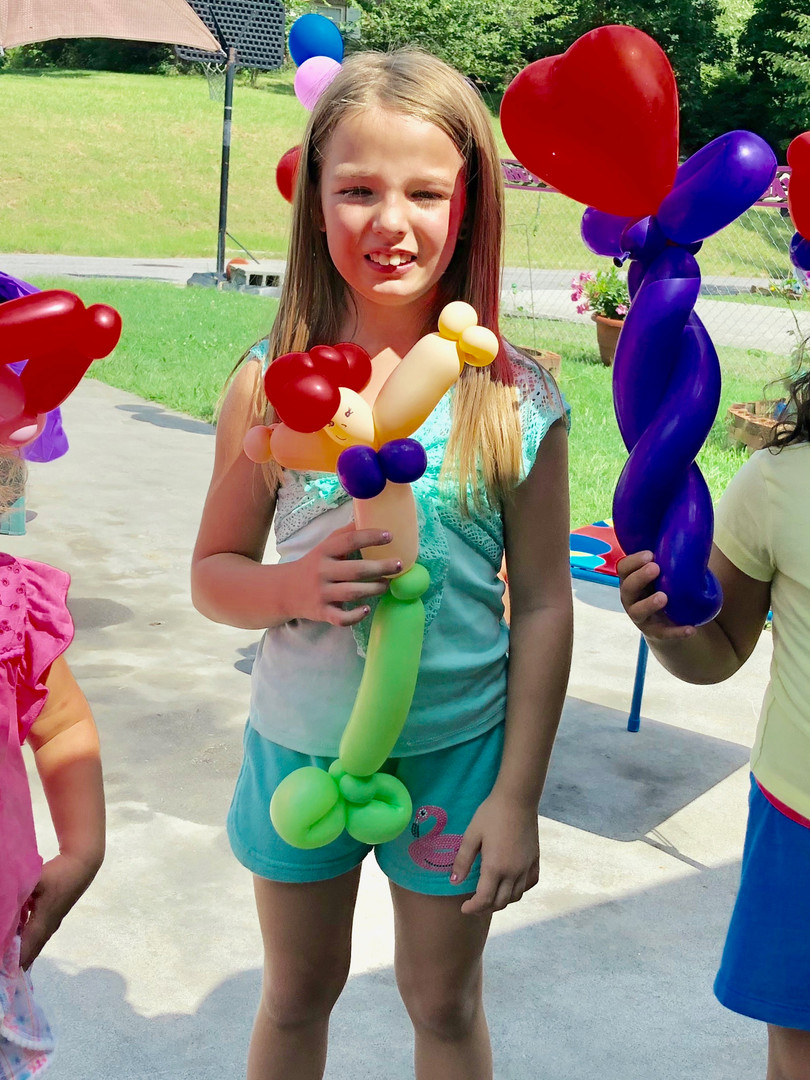 Princess party balloon twisting in Oak Ridge TN