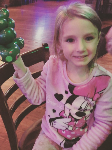Christmas tree balloon decorating, kid's night Farragut, TN