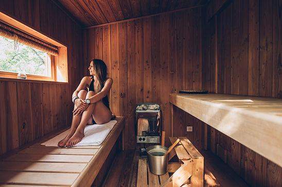 cabane dans les arbres avec sauna privatif