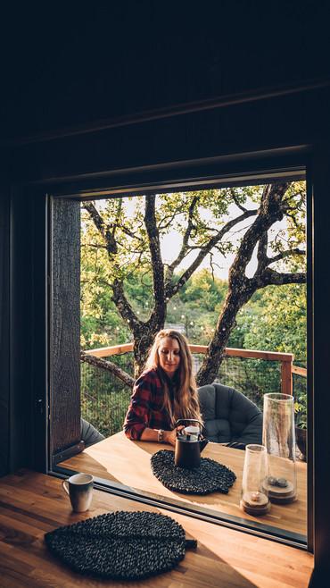 petit déjeuner en terrasse ou à l'intérieur...ou les deux en même temps !