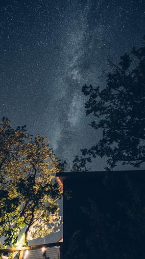 les beaux ciels étoilés à Pella Roca Cabane & Spa à une heure de Toulouse et deux heures trente de Bordeaux