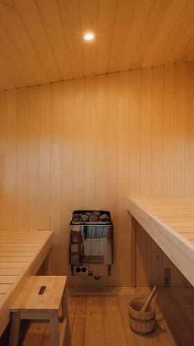 un grand sauna privatif pour profiter à deux