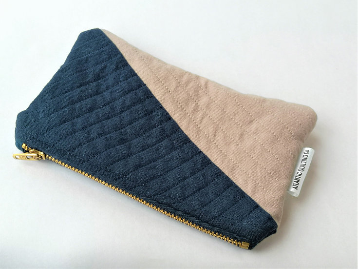 Small Quilted Zipper Pouch 05
