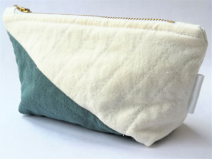 Small Quilted Zipper Pouch 08