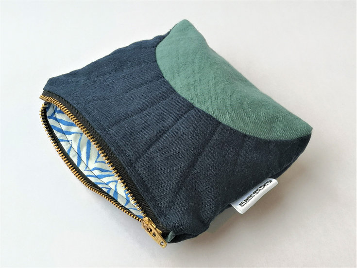 Small Quilted Zipper Pouch 09
