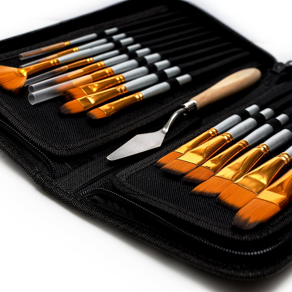 Artist Paint Brush Set - 15 Different Shapes & Sizes
