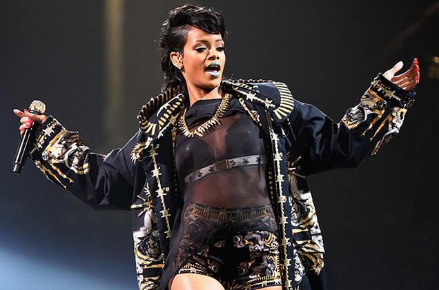 Rihanna MTV VMA Awards 2016