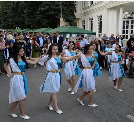 Поздравить город Ессентуки собралось больше 10 тысяч человек