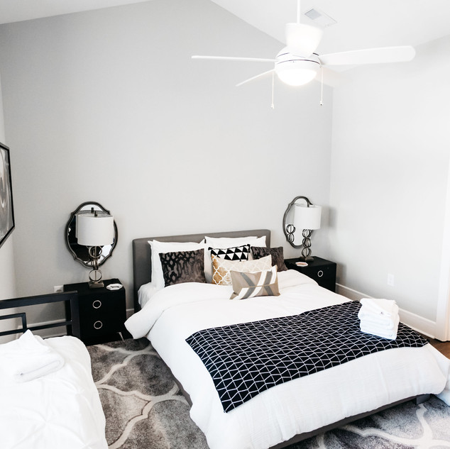 bed room 2J-17.jpg