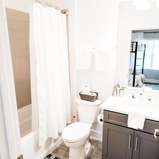 Bathroom 1J.jpg