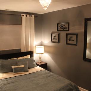 Queen Room 2.JPG