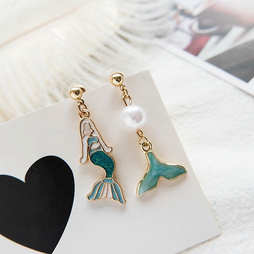 Mermaid Asymmetric Earring-1