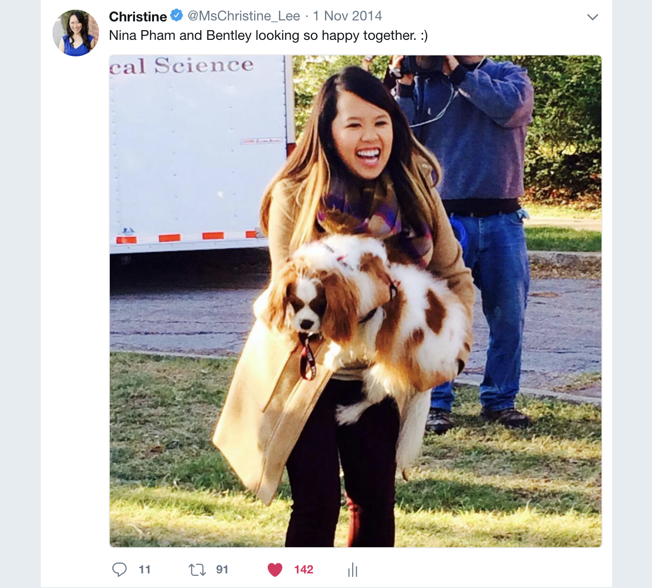 Christine Lee took this viral picture of Ebola Nurse Nina Pham reuniting with her dog Bentley