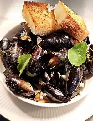 Live Mussels 1kg vac pac - Fresh