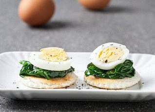Montadito de espinaca y huevo