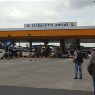 Gerbang Tol Amplas