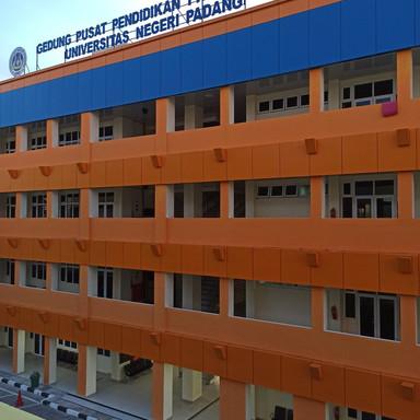 Gedung Pusat Pendidikan Profesi Guru Universitas Negeri Padang (UNP)
