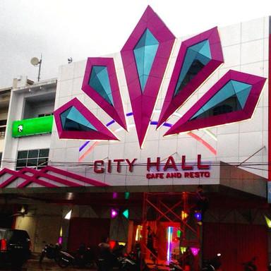 City Hall Cafe & Resto Pontianak