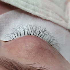 Super light weight volume to help this clients damaged lashes grow