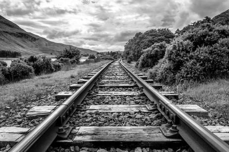 Horizon Train Tracks