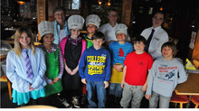 Kinder kochen im Burestübli