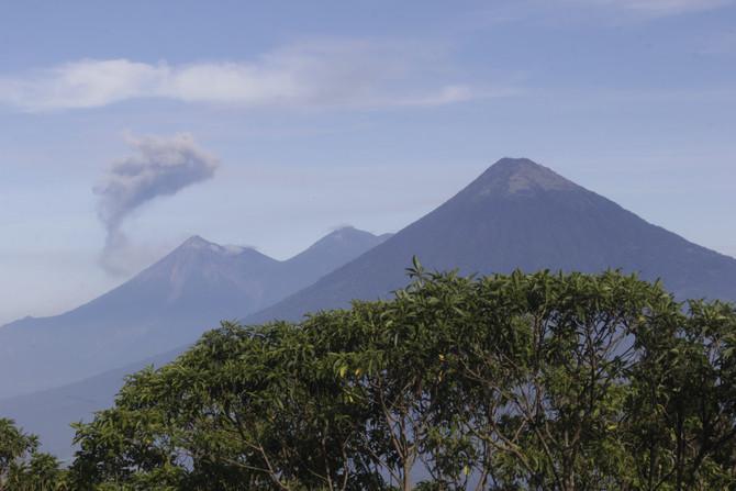 Una historia en Guatemala - El Titán que duerme