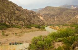 Burro y canoas
