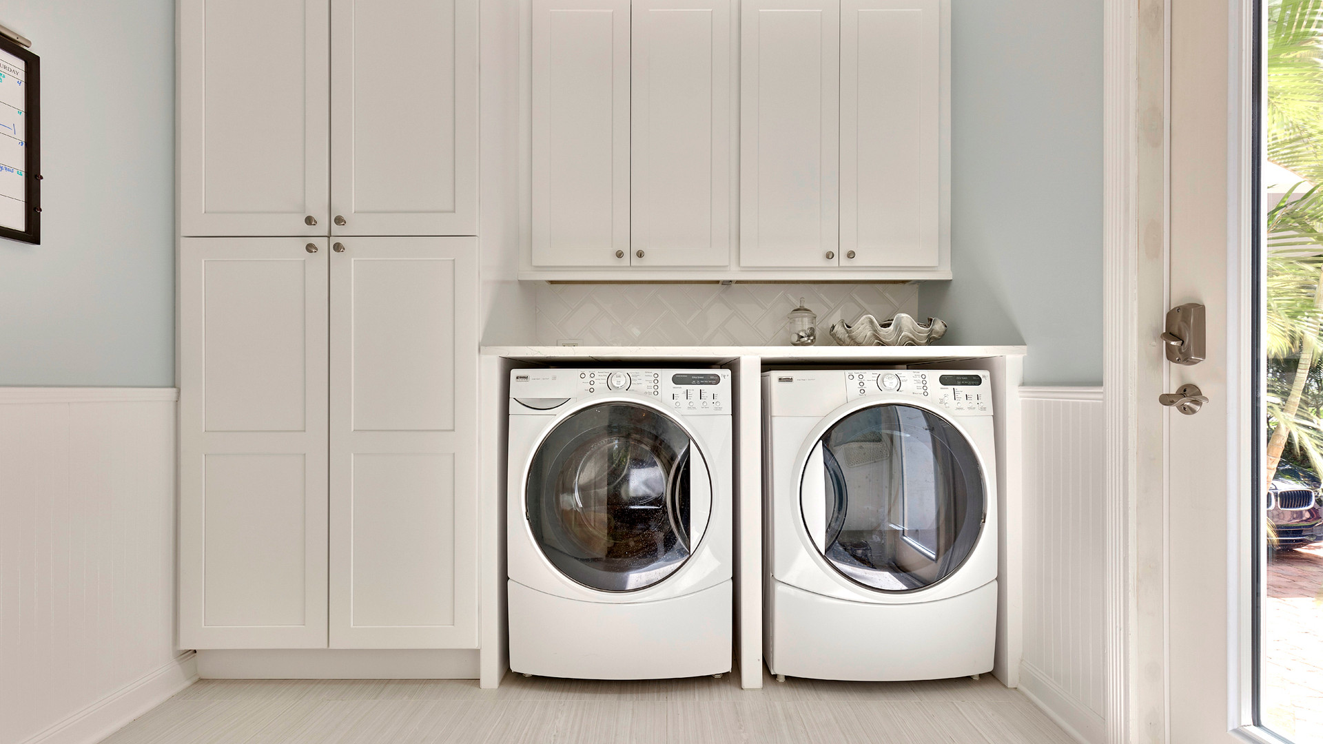 136 Sweet Bay Cr laundry room.jpg