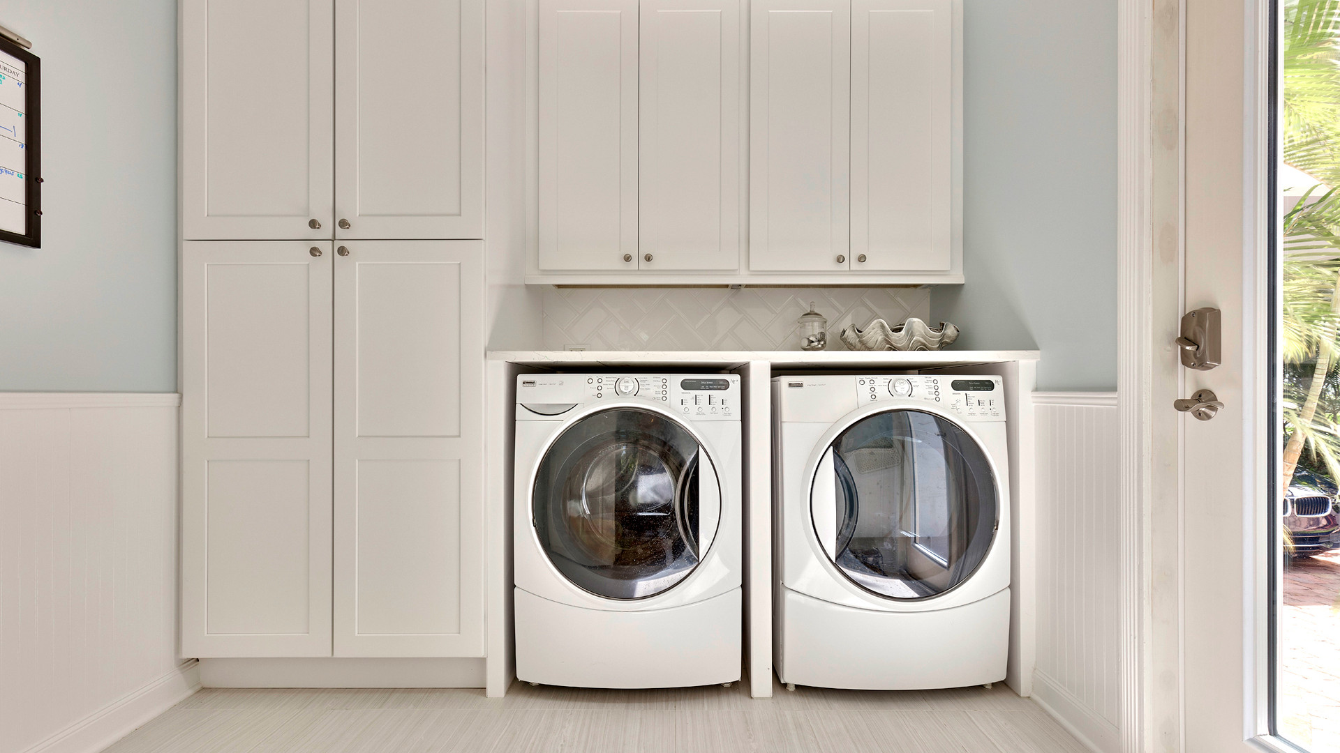 136 Sweet Bay Cr laundry room.jpg