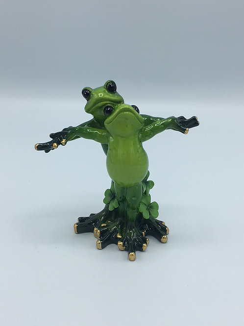 Frog Lovers Statue