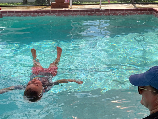 Survival Skills in Action! Two year old falls in pool, fully clothed and is able to save himself!