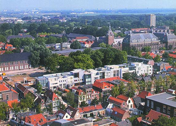 Bas Gremmen Architectuur: Vogelvlucht Woonhuis Delft