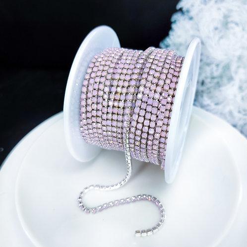Стразовая цепь ~ Опаловая розовая в оправе  серебро 2мм (10см)