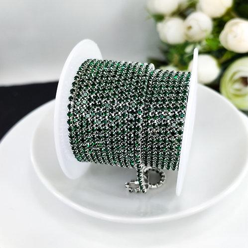 Стразовая цепь ~ Темно-зеленая в оправе серебро 2мм (10см)