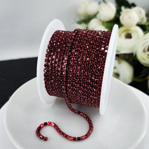 Стразовая цепь ~ Темно красная в оправе в тон 2,5мм, 2мм (10см)