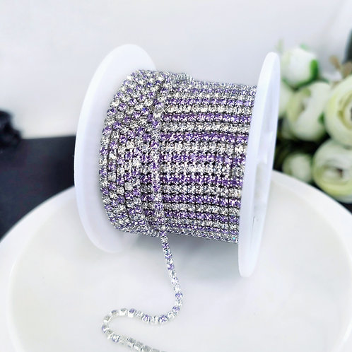 Стразовая цепь ~ Светло-фиолетовая+прозрачная в оправе серебро 2мм (10см)