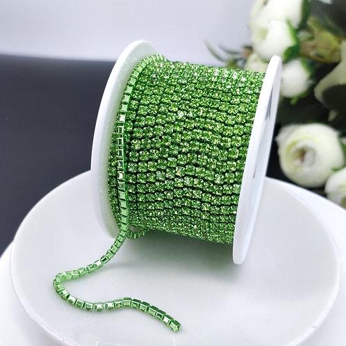 Стразовая цепь ~ Светло-зеленая в оправе в тон 2,5мм (10см)