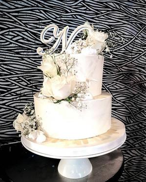 The big 40 deserves a big cake. This pla