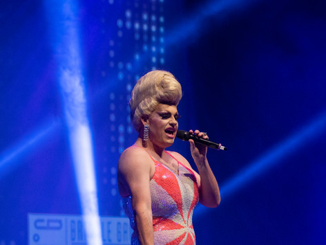 Perth Drag Queen Singing Live at Crown P