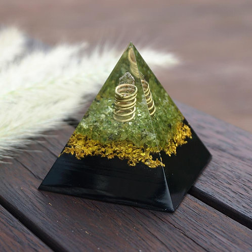 Rose Quartz Pillar Orgonite Pyramid