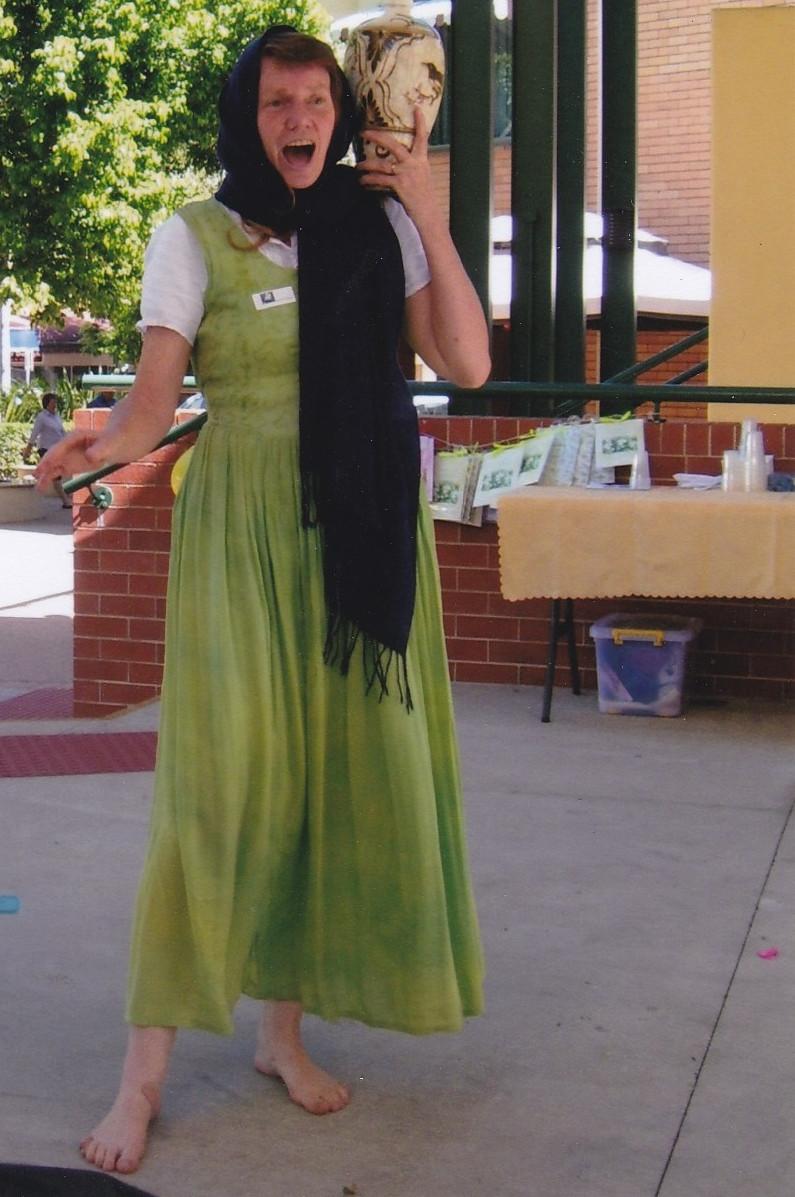 Anita tells the story of the Samaritan woman at the well