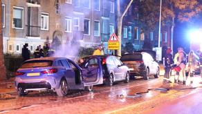 Politie gaat bij autobranden Korreweg uit van brandstichting en zoekt getuigen