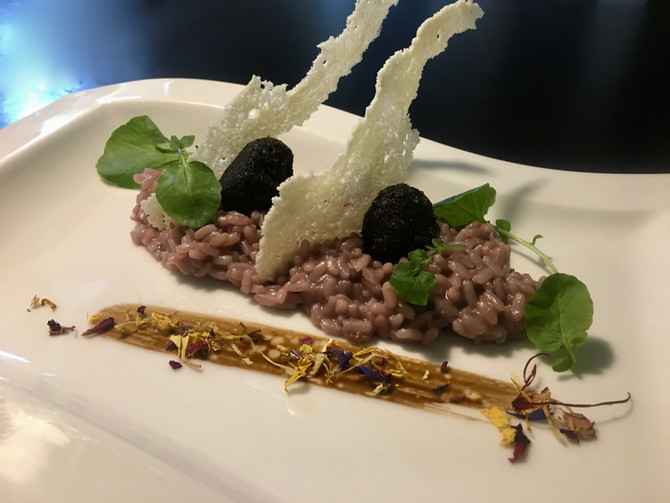 Barolo-Risotto With black truffle Beignets