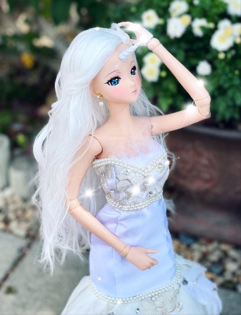 """Guinevere Wig in Winter White 8.5-9"""""""
