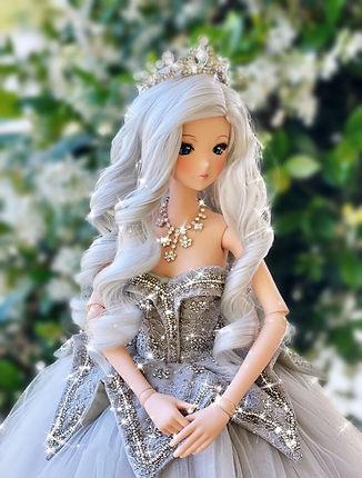Ella SmD Silver Fox.jpg