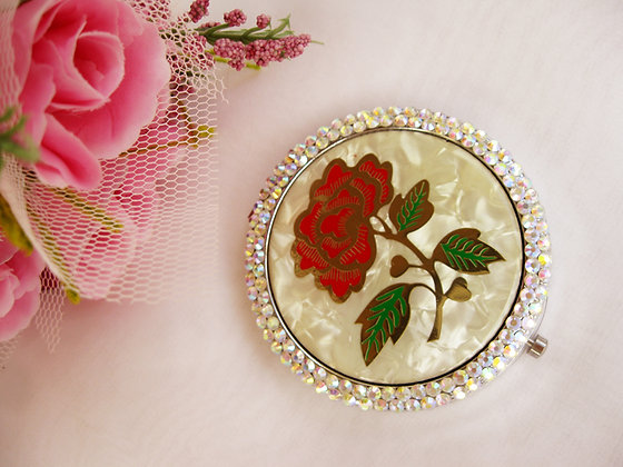 Belle's Bridal Wedding Rose Compact
