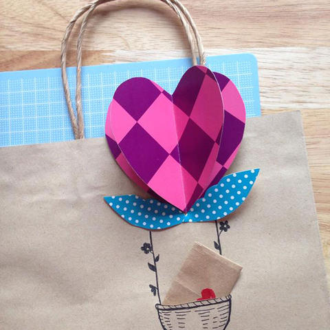 Heart-Air Balloon Gift Bag and Bookmark